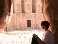 Parkourista proskákal Jordánskou poušť