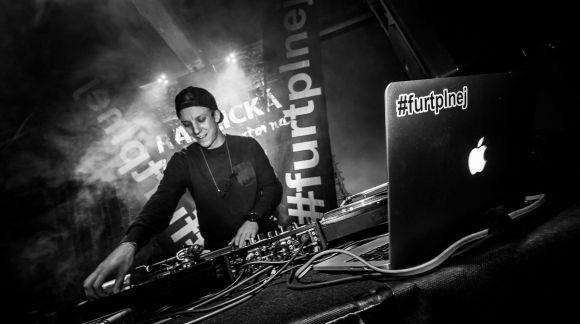 První Revolution DJ Night se povedla na výbornou